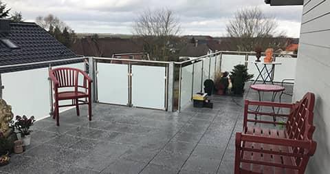 grosse terrasse mit ausblick