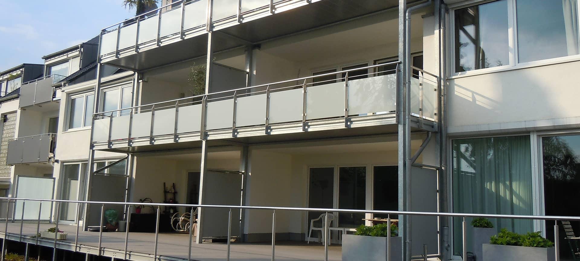 wohngebaeude mit grossen terrassen von ck immobilien